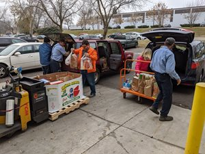 Loading food donations to deliver to Second Harvest Heartland