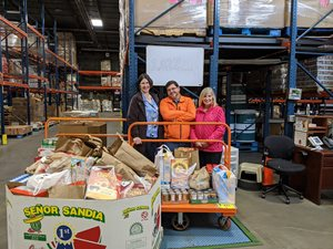 Delivering food donations to Second Harvest Heartland